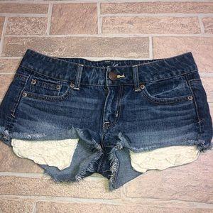 AEO 2 Short Shorts Lace Pockets Daisy Dukes 💋